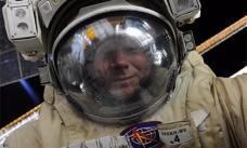Геннадий Падалка сделал селфи в открытом космосе
